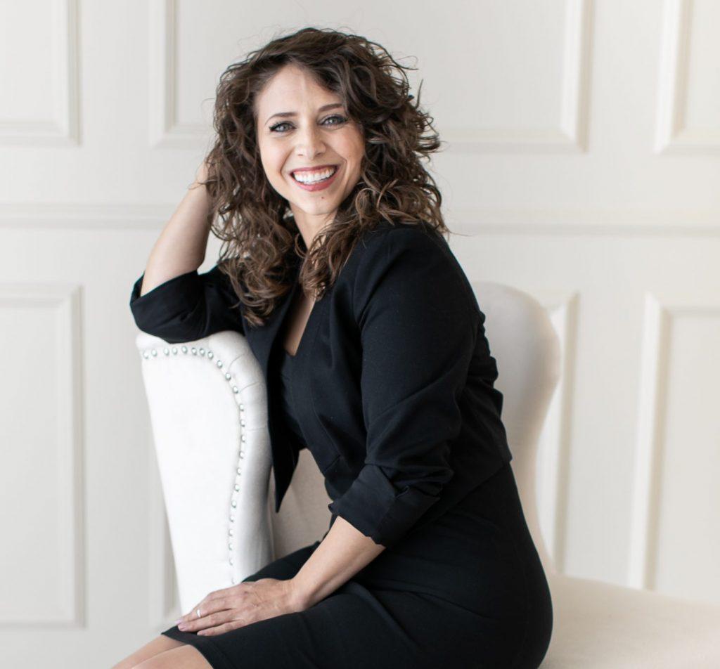 Sharí Alexander - Influence Speaker, Communication Strategist, Persuasion Coach